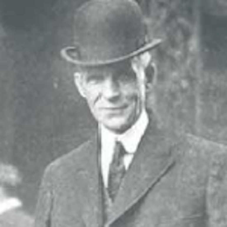 Putting America on the Road - Henry Ford and th...